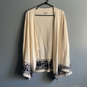 LUCKY BRAND BOHO WHITE AND NAVY OPEN CARDIGAN